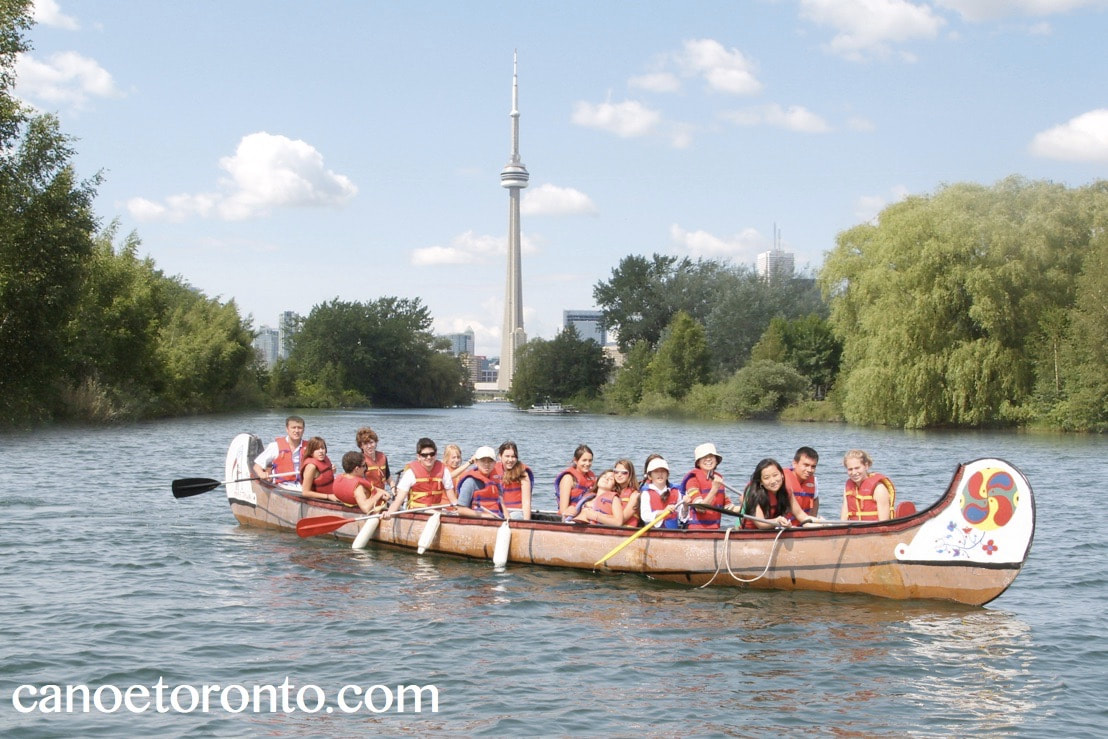 toronto islands, canoeing, lake and outdoor activities is all the kids need in the summer
