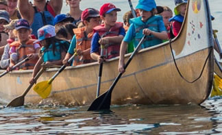 great activity for kids in toronto is canoeing on toronto islands